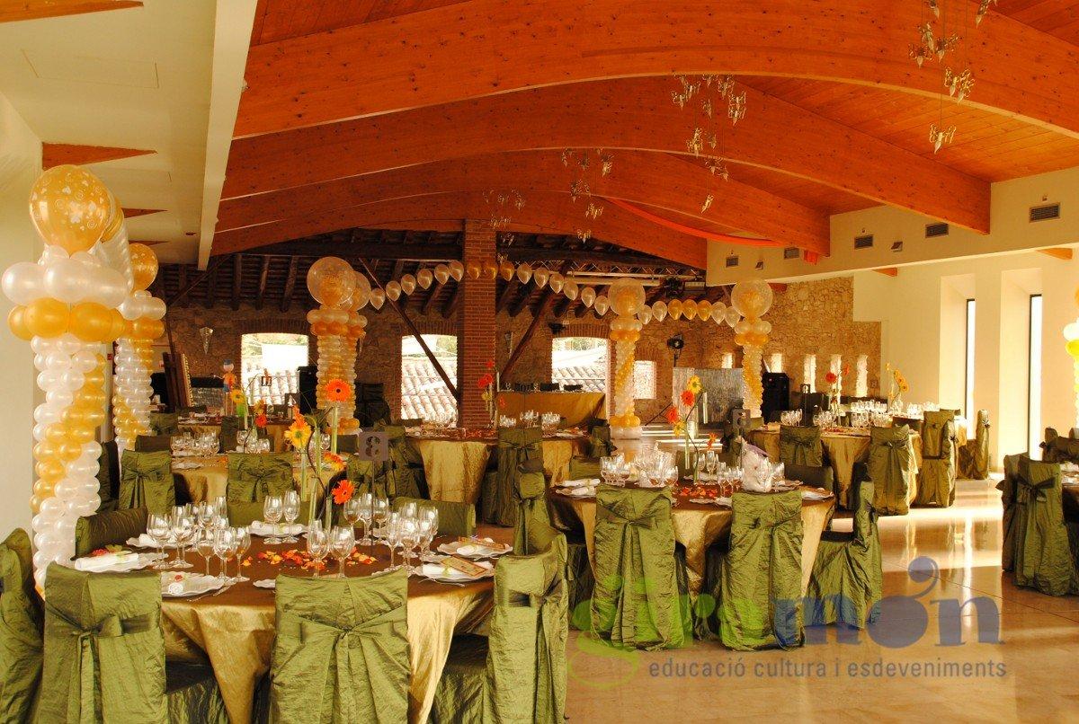 Decoraci n con globos sal n de bodas giram n giram n for Decoracion de salon para boda