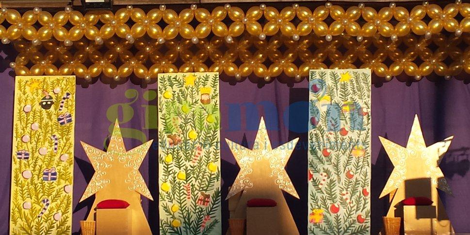 Paret con globos de decoraci n en escenario reyes for Decoracion para reyes