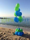 ramo de globos en la playa