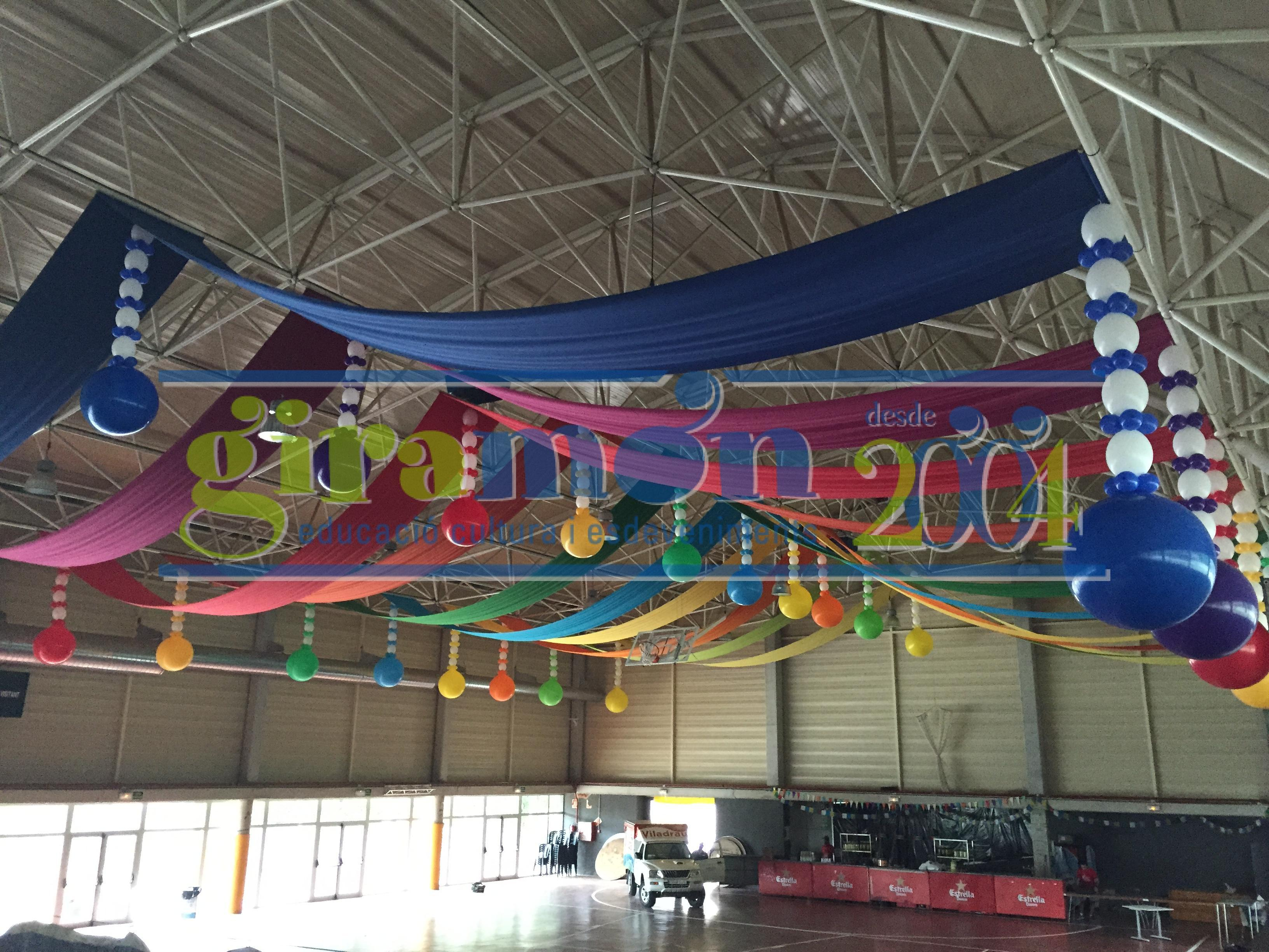 decoraci n de pavellones con globos y telas giram n On decoracion de espacios con telas