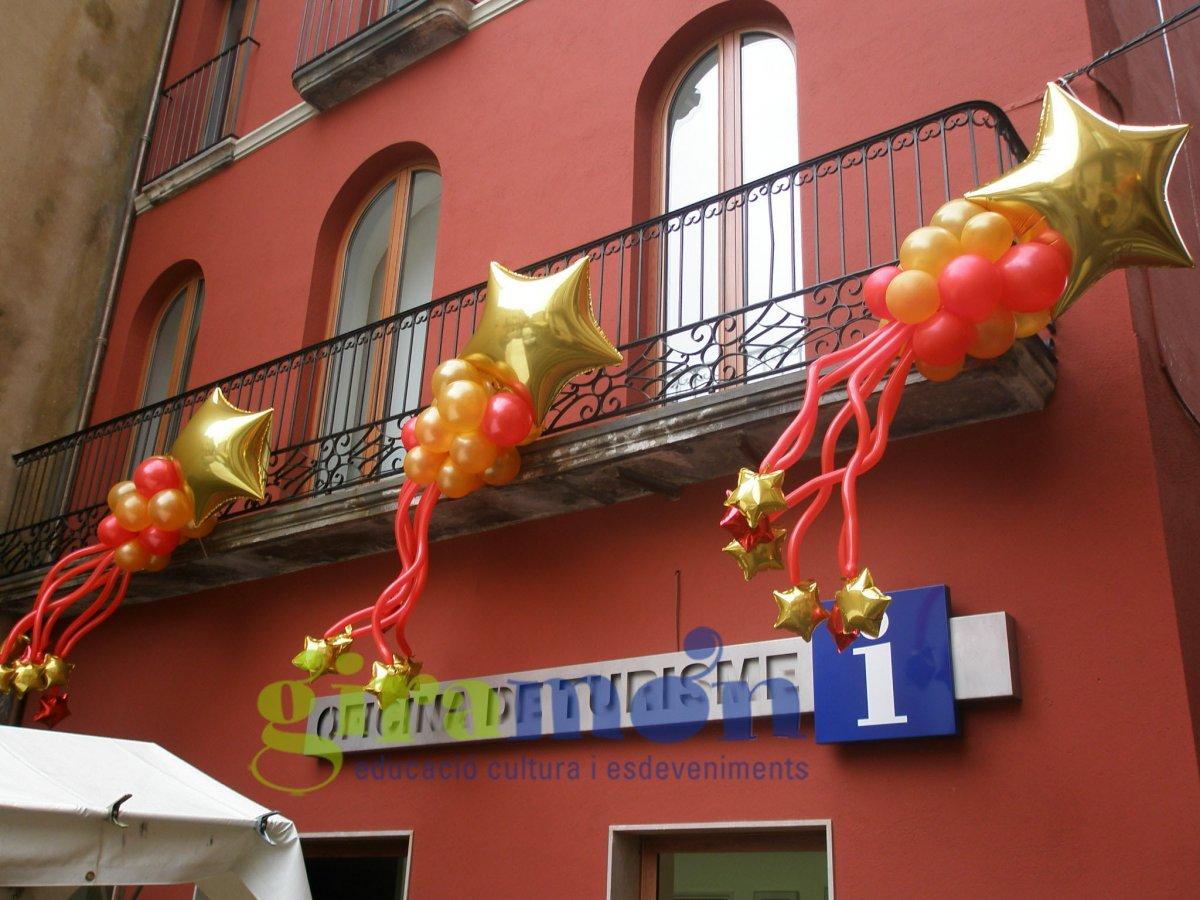 Estrellas de navidad para decorar los balcones de la calle - Ideas para decorar estrellas de navidad ...