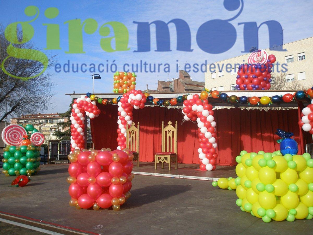 Decoraci n de navidad con columnas y figuras con globos - Decoracion de navidad con globos ...