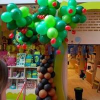 Árbol con globos