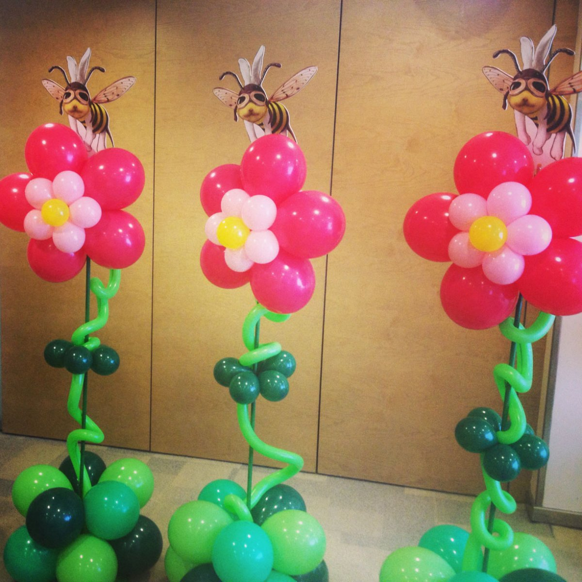 Sorpresas con globos para regalar regals rodons giram n for Decoracion simple con globos