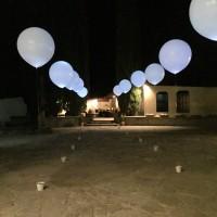 Decoración con globo gigante iluminado con led