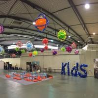 decoración con globos de grandes espacios