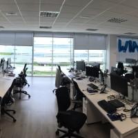decoración oficinas con globos de foil