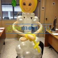 Figura niña comunión con globos