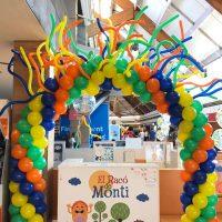 Arco de globos decorado con globoflexia