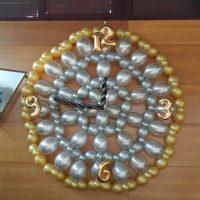 Figura reloj con globos