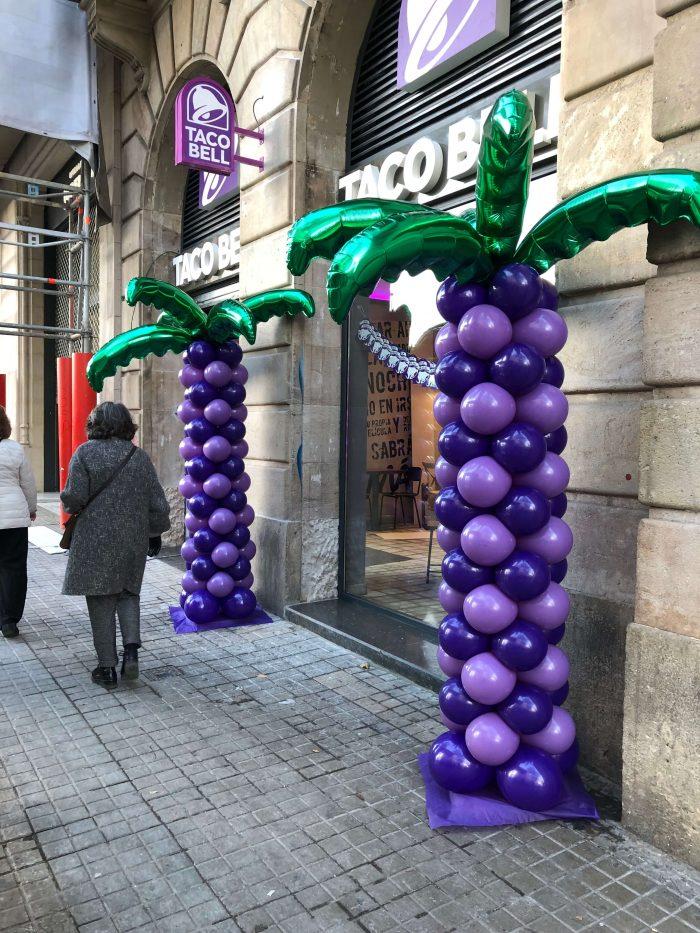 Palmeras hechas con globos