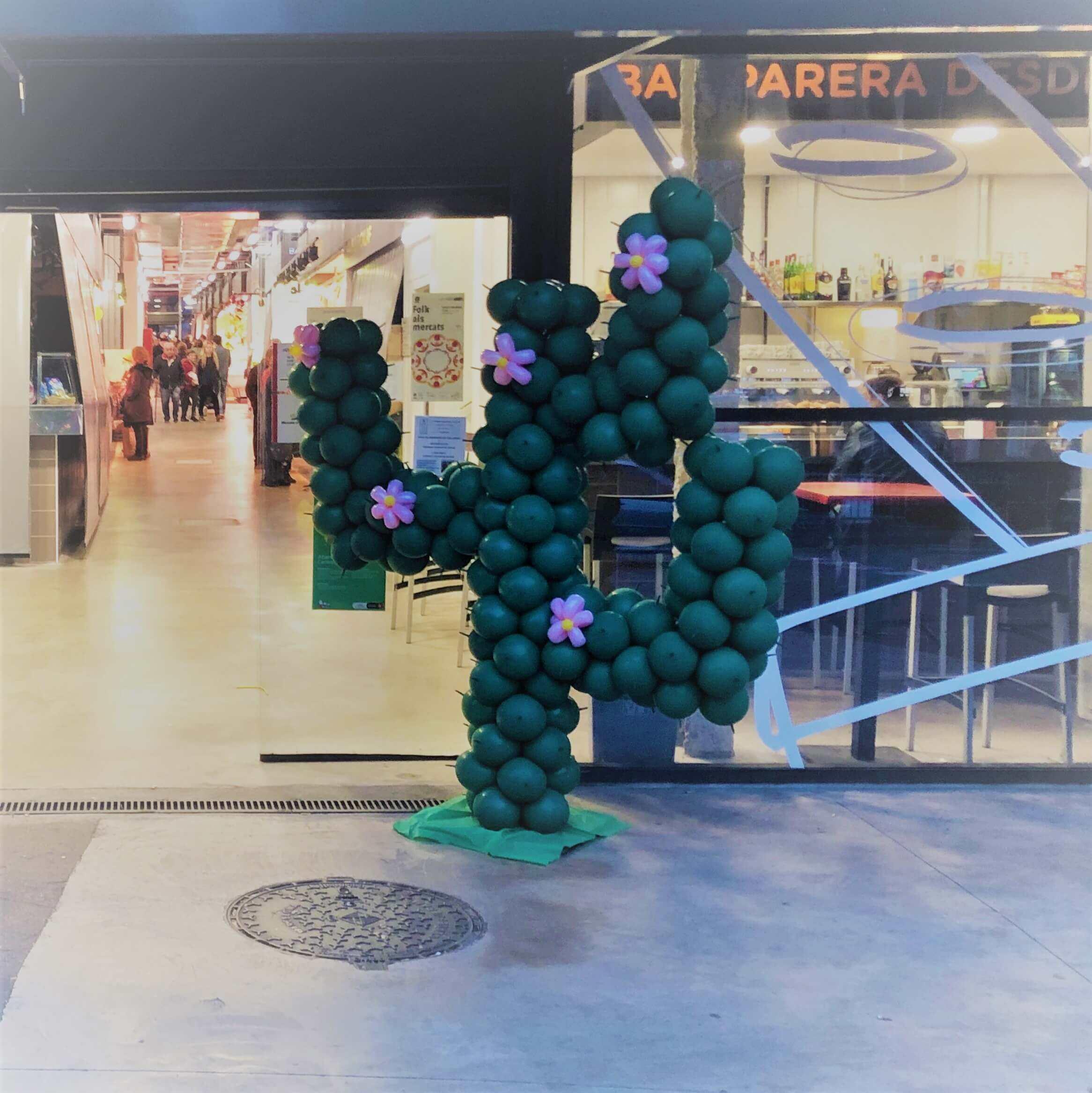cactus figuras con globos