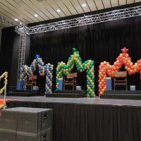 corona de reyes magos con globos