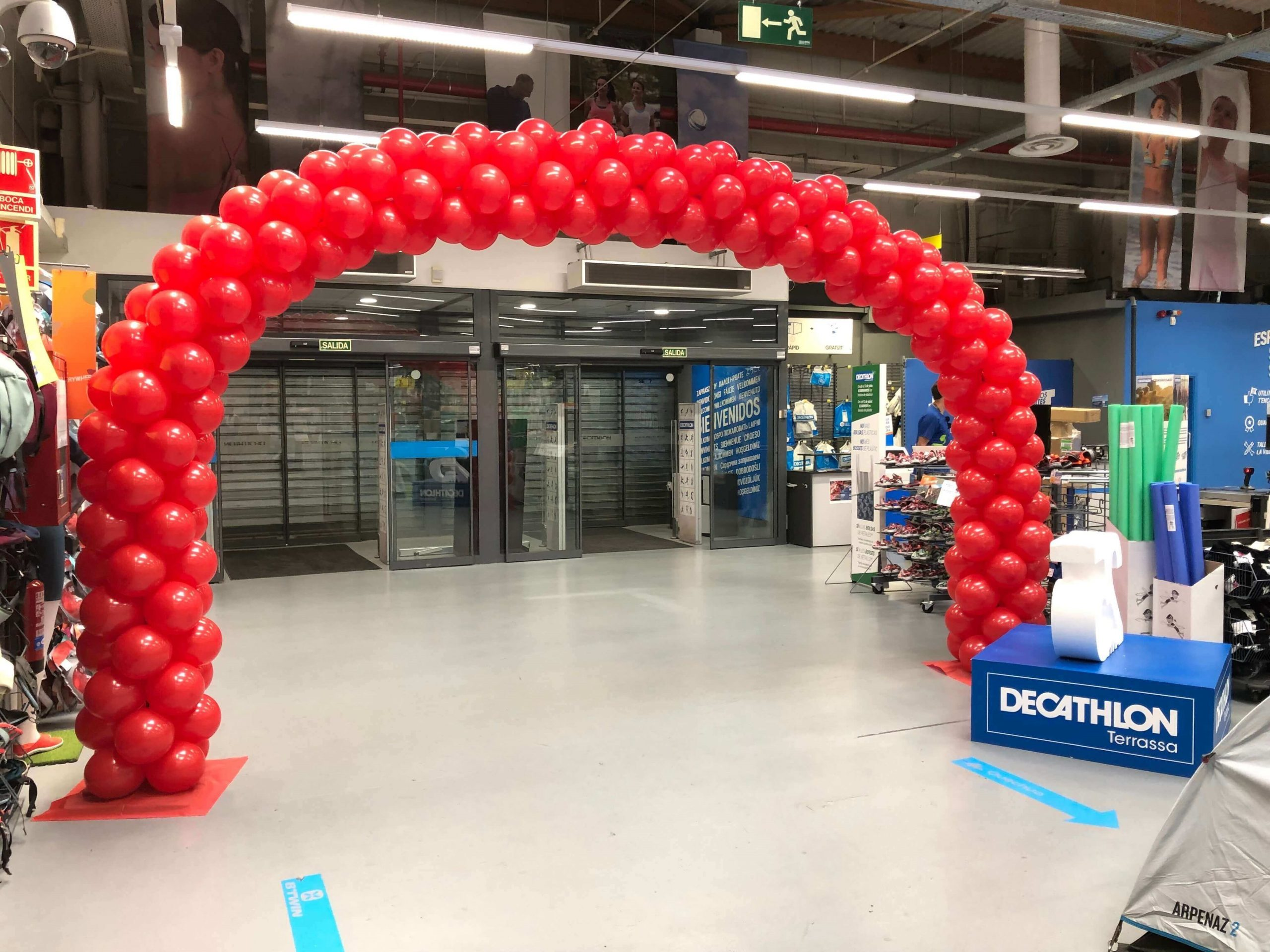 arco de globos para tienda de deportes