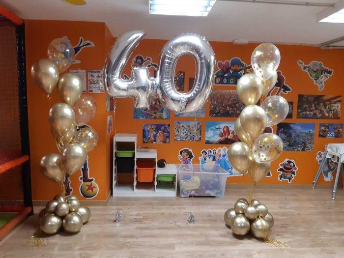 ramo de globos chrome y globos confeti cumpleaños