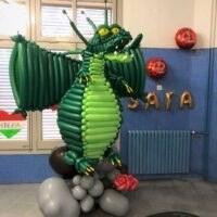 dragón con globos