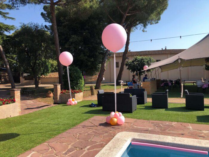 Decoración con globos para fiestas de verano