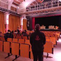 personal de acogida en salas de teatro y actos