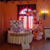 decoración figuras orgánicas con globos comunión